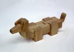 כלב משחק